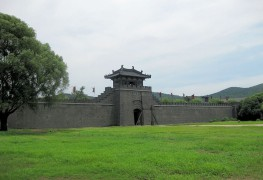 Городская стена — вход в китайский кинопарк
