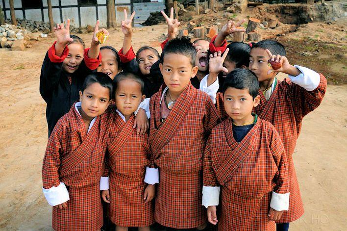 Бутанские школьники. Автор фото: MA HO