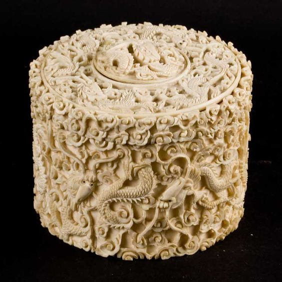 Традиционная культура Китая. Резьба по кости. Ivory box.
