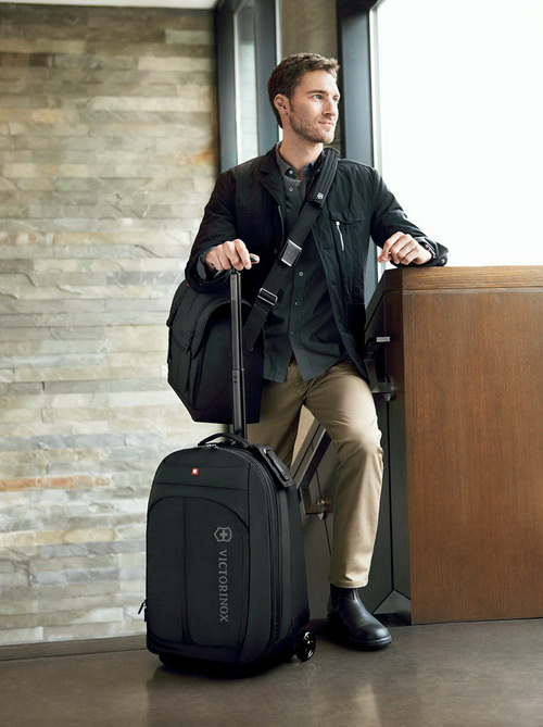 Чудесный новый чемодан от VICTORINOX
