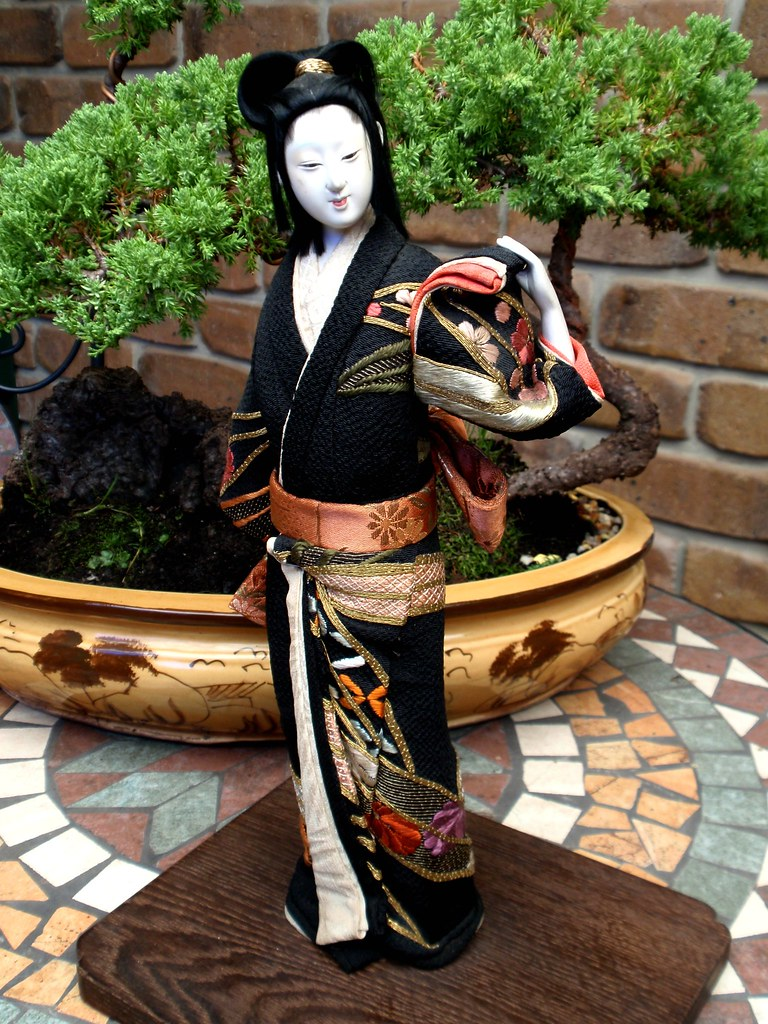 Японская кукла Ишо