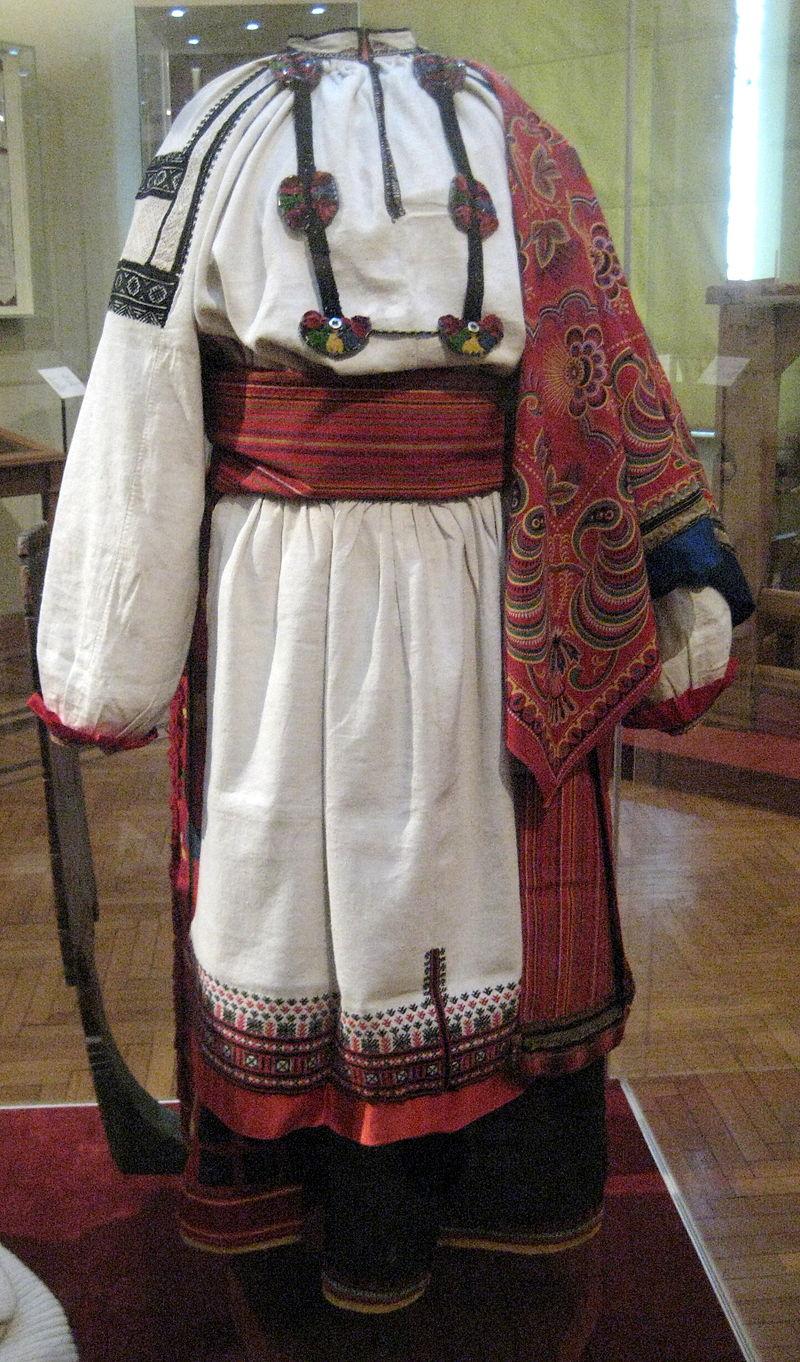 Rus_folk_dress_01